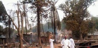 Habitations incendiées par les rebelles de l'UPC à Alindao le 15 novembre 2018. CopyrightBenoitLallau.