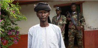 Le chef de gang Abbas Siddiki de la milice d'autodéfense 3R.