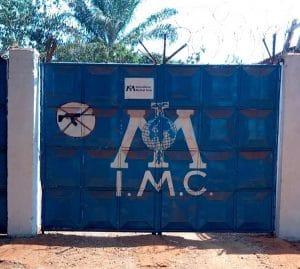 Entrée principale de la base de l'ONG IMC à Bria. CopyrightCNC.