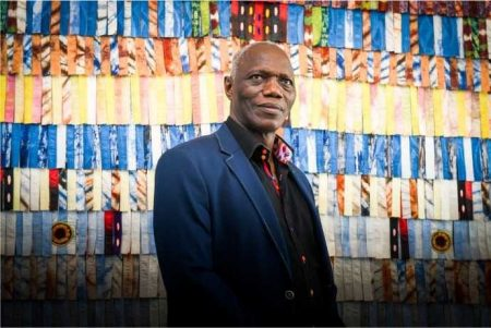 Abdoulaye Konaté en résidence artistique à Casablanca pour « Prête-moi ton rêve », août 2018. © F. Maazouz
