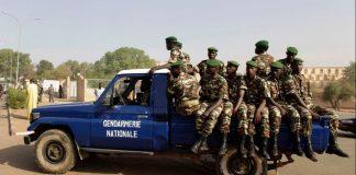 La police assure la sécurité au centre de Niamey, Niger, 20 février 2010.