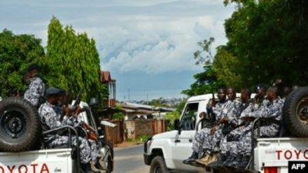 Les forces de sécurité burundais déployées après une attaque à la grenade au cours de laquelle un général Tutsi et conseiller à la sécurité du vice-président