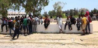 Des migrants et des réfugiés dans le centre de détention de Tajoura en Libye