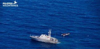 Une embarcation de migrants au large des côtes libyennes le 5 juin 2019