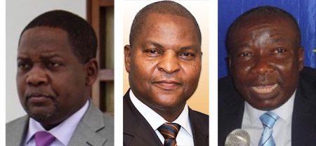 Le chef de l'État Faustin Archange Touadera entouré à gauche de son premier ministre Firmin Ngrebada et à droite de son ministre de l'intérieur le général de brigade Henri Wanzet Linguissara. Bangui, République centrafricaine.