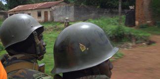 Soldats FACA en patrouille à Bangassou. Crédit photo : Corbeaunews-Centrafrique.