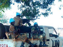 Patrouille des forces gambiennes de la Minusca àBria le 27 janvier 2019. Crédit photo : Moïse Banafio/CNC.