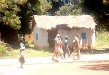 Des mercenaires russes dans une rue de Sibut, au centre-sud de la République centrafricaine. Crédit photo : Corbeaunews-Centrafrique