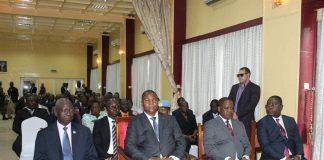Le chef de l'État Faustin Archange Touadera entouré à gauche du Président de l'Assemblée nationale Laurent Moussa Gon-Baba et à droite du Premier ministre Firmin Ngrébada, du Ministre des Finances et du budget Henrie-Marie Dondra. Copyright2019CNC/ Cyrille Jefferson Yapendé.