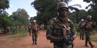 Patrouille Minusca-FACA à Bangassou, dans la préfecture de Mbomou, au sud-est de la République centrafricaine. Crédit photo : Corbeaunews-Centrafrique.