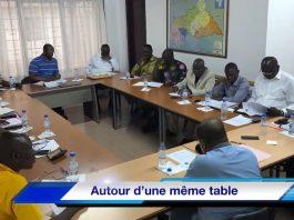 Réunion des leaders de l'opposition démocratique au siège du parti URCA d'Anicet Georges Dologuelé le 27 novembre 2019 en vue de la mise en place d'une plateforme politique. Créditi photo : Corbeaunews-Centrafrique.