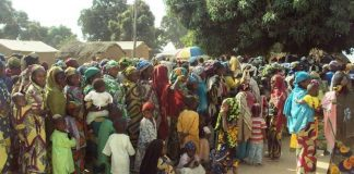 des réfugiés centrafricains regroupés sur un site à l'Est du cameroun par le HCR