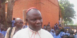 Le cardinal Nzapalainga Dieudonné lors de sa conférence de presse le 4 décembre 2019 à Bangui, en Centrafrique.