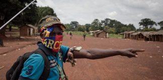 Un milicien anti-Balaka à Gambo, dans la province de Mboumou en République centrafricaine, le 16 août 2017. © 2017 Alexis Huguet