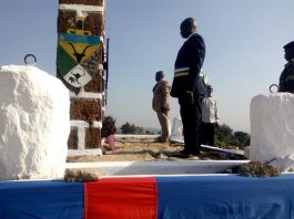 le maire de Bouar, monsieur Lazare Nambena, le 30 novembre 2019 lors du dépot des gerbes à la veille de la fête de la proclamation de la République centrafricaine. Crédit photo : Gervais Lenga / Corbeaunews-Centrafrique (CNC)