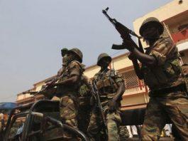 les soldats Faca en position de tirs IMG_3876