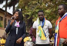 La Ministre Sylvie Baïpo Témon lors de la réception du mémorandum des jeunes manifestants, le 17 février 2020 à Bangui