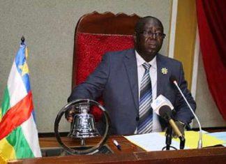 Le 1er Vice-Président de l'Assemblée nationale Jean Symphorien Mapenzi