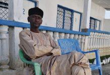 le chef rebelle Abbas Sidiki dans un motel à Bouar