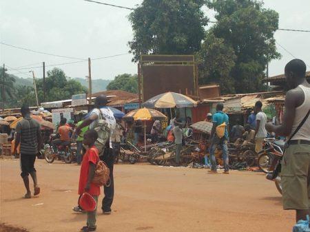 Marché de Boyrabe dans le quatrième arrondissement de Bangui. Photo CNC / Mickaël Kossi