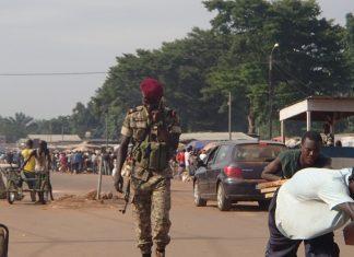 Barrière du PK12 à la sortie nord de Bangui, capitale de la République centrafricaine. Photo CNC / Fprtuné Bobérang.