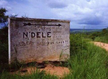 Bienvenue à Ndélé contre le mur. Par CNC