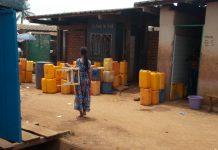 Pénurie d'eau au quartier Ouango Bangui, le 11 aout 2019. Photo CNC / Mickael Kossi.