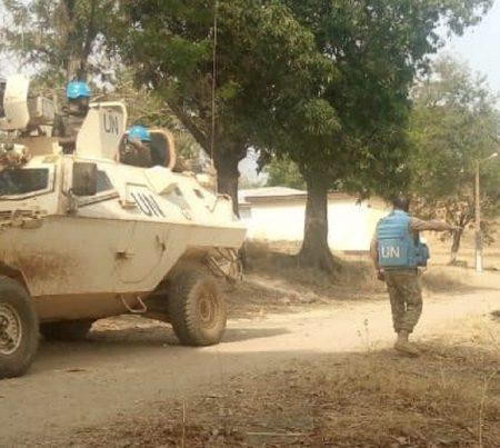 Un blindé des forces de la Minusca, en patrouille dans la ville de Ndélé, le 13 mars 2020. Photo CNC / Moïse Banafio.