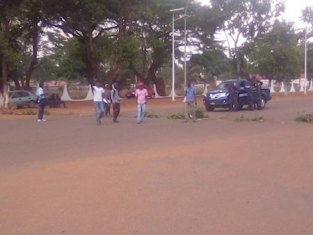 Grève des Étudiants de l'Université de Bangui reclamant le paiement des arriérés de leur bourse d'études, le 3 avril 2020. Photo CNC / Cyrille Jefferson Yapendé.