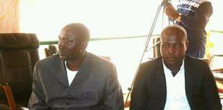 le chef rebelle ali darassa à gauche et son interprète à droite de l'image lors de leur séjour à Bangui le 18 et 19