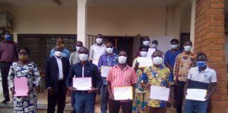 Les 15 personnels soignants sanctionnés par les certificats à la fin de formation dans les locaux du CICR-RCA. Jefferson Cyrille YAPENDE