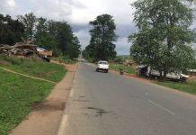 Un véhicule stoppé à la barrière de la gendarmerie à Gallo, dans la sous-préfecture de la Nana-Mambéré. Photo CNC / Gervais Lenga.