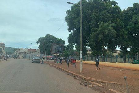 Croisement ÉNERCA-TÉLÉCEL-TRIBUNAL sur l'avenue de l'indépendance à Bangui, le 10 juin 2020. Photo CNC / Anselme Mbata