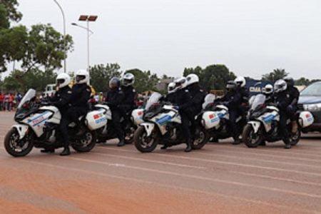 Des gendarmes et policiers en formation de pilotage entièrement financée par la France au profit des FSI. Photo de l'ambassade de France.