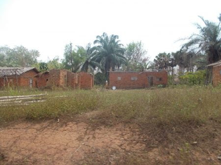 des habitations incendiées au village Bornou à 3 kilomètres de Ouadda Maïkaga