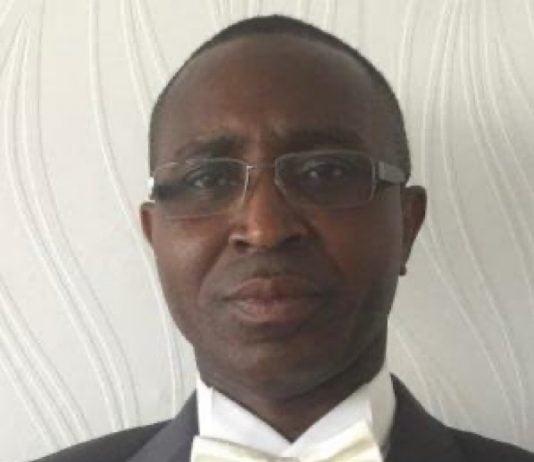 Monsieur Bernard Selembi Doudou, l'auteur de l'article. Photo de courtoisie.