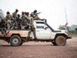 des combattants rebelles de l'UPC à gbokologbo