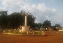 rond point centre-ville de Bambari dans la préfecture de la Ouaka par Bertrand Yékoua