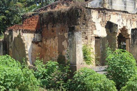 Un édifice colonial en ruine dans la ville de Bria, préfecture de Haute-Kotto. Photo CNC