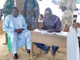 ali darassa lors de son inscription sur la liste électorale 2