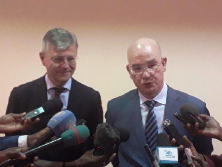Le Commissaire à la paix et à la sécurité de l'Union africaine Ambassadeur Smail Chergui, et Le Secrétaire général adjoint des Nations unies aux opérations de paix M. Jean-Pierre Lacroix à Bangui