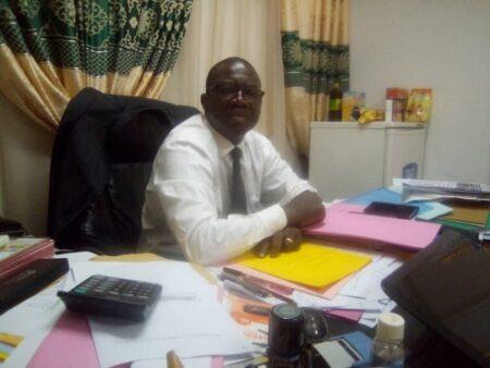 L'honorable député Augustin Agou dans son bureau. Copyright CNC Jefferson Cyrille YAPENDE 02 octobre 2020