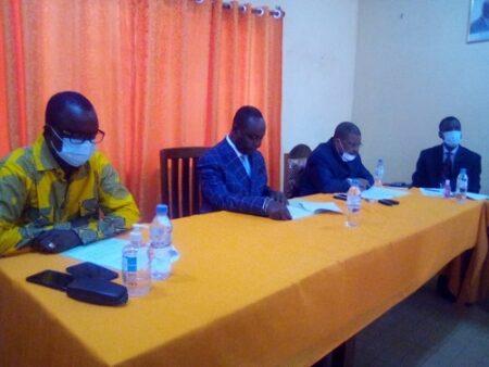 quelques membres de l'opposition démocratique au siège du parti KNK le 10 octobre 2020. Photo CNC par Cyrille yapendé