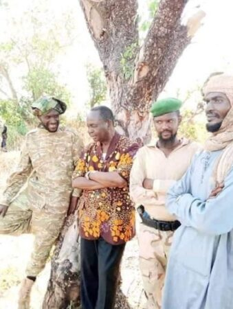 françois Bozizé avec des rebelles de la seleka format intérieur de l'article