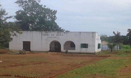 hôtel de ville de Grimari par CNC