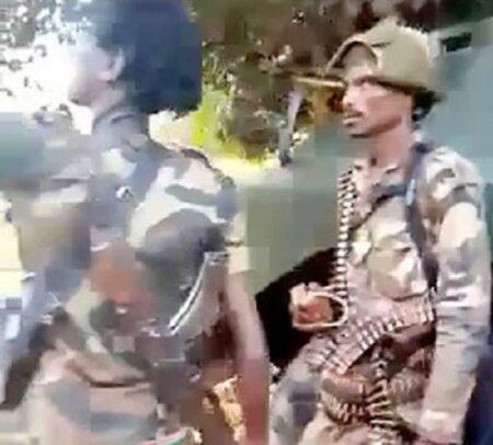 les rebelles de la CPC sur un blindé russe à Boyali. Photo CNC