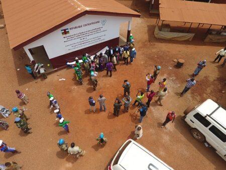 le projet de réduction de violence communautaire a contribuer à transformer les jeunes associés aux groupes armés en bâtisseur de la paix pour le développement de la Haute Kotto