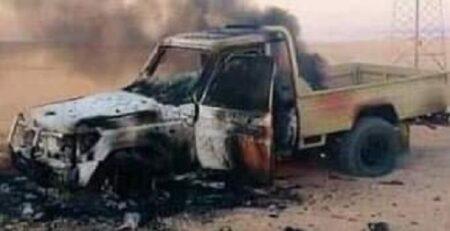 véhicule des faca incendiés par les rebelles de l'UPC à 10 kilomètres de Bambari sur l'axe Ippy