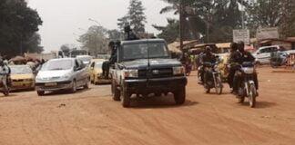 Lors de l'affrontement entre les éléments de la garde présidentielle et les miliciens d'autodéfense du KM5 le 2 mars 2021. Photo Diaspora magazine