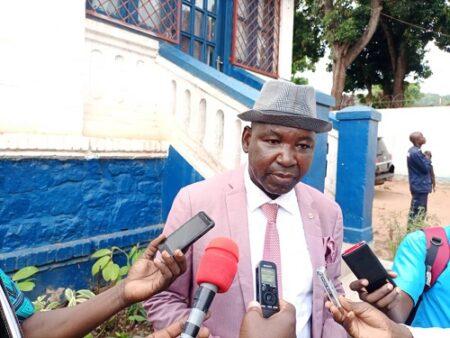 le procureur général près de la cour d'appel de Bangui Eric Didier Tombo dans la concession de l'OCRB
